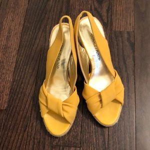 Donald J Pilner sandals